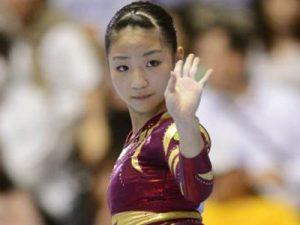 体操女子 寺本明日香 画像