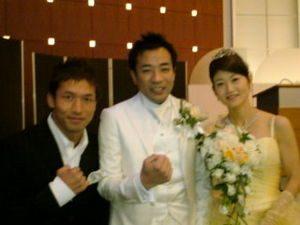 ナイツ塙 嫁 結婚式 画像