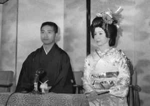 岩下志麻 旦那さん 結婚式