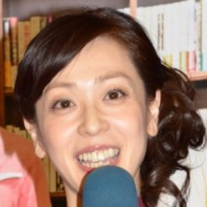 遊井亮子 写真